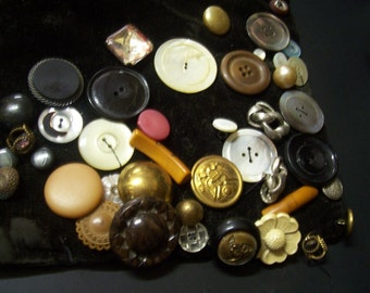 40 Assorted Vintage Buttons