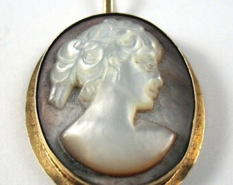 Cameo Black Mother Pearl Pendant 14kt Yellow Gold