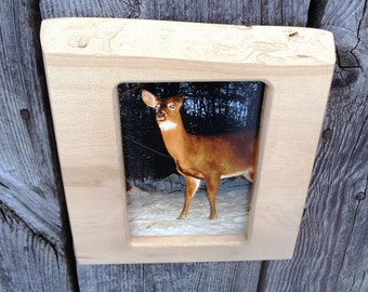 rustic picture frame / wood frame / 5 x 7 photo frame, wildlife deer photo /live edge, country home / handmade photo frame / log cabin decor