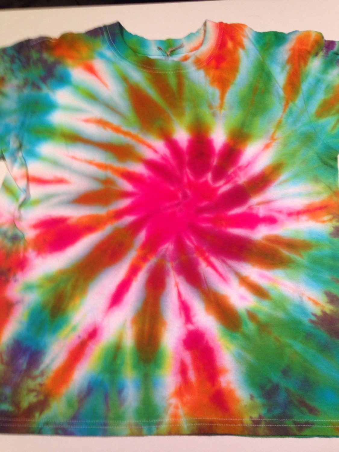 Large Red Flower Spin Out Kids Tye Dye Large