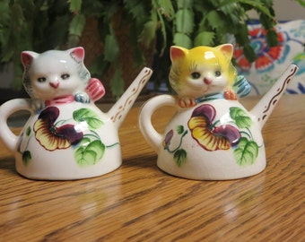 Vintage Lefton Cats in Watering Can Salt and Pepper Shakers
