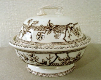 English Covered Butter Dish with Drainer