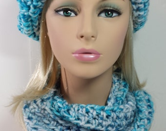 Blue White Variegated Chunky Hat Scarf Set