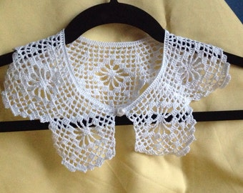 Handmade crochet collar, white collar, elegant accessories, vintage style collar, embellishment neckline, collar applique, filet crochet