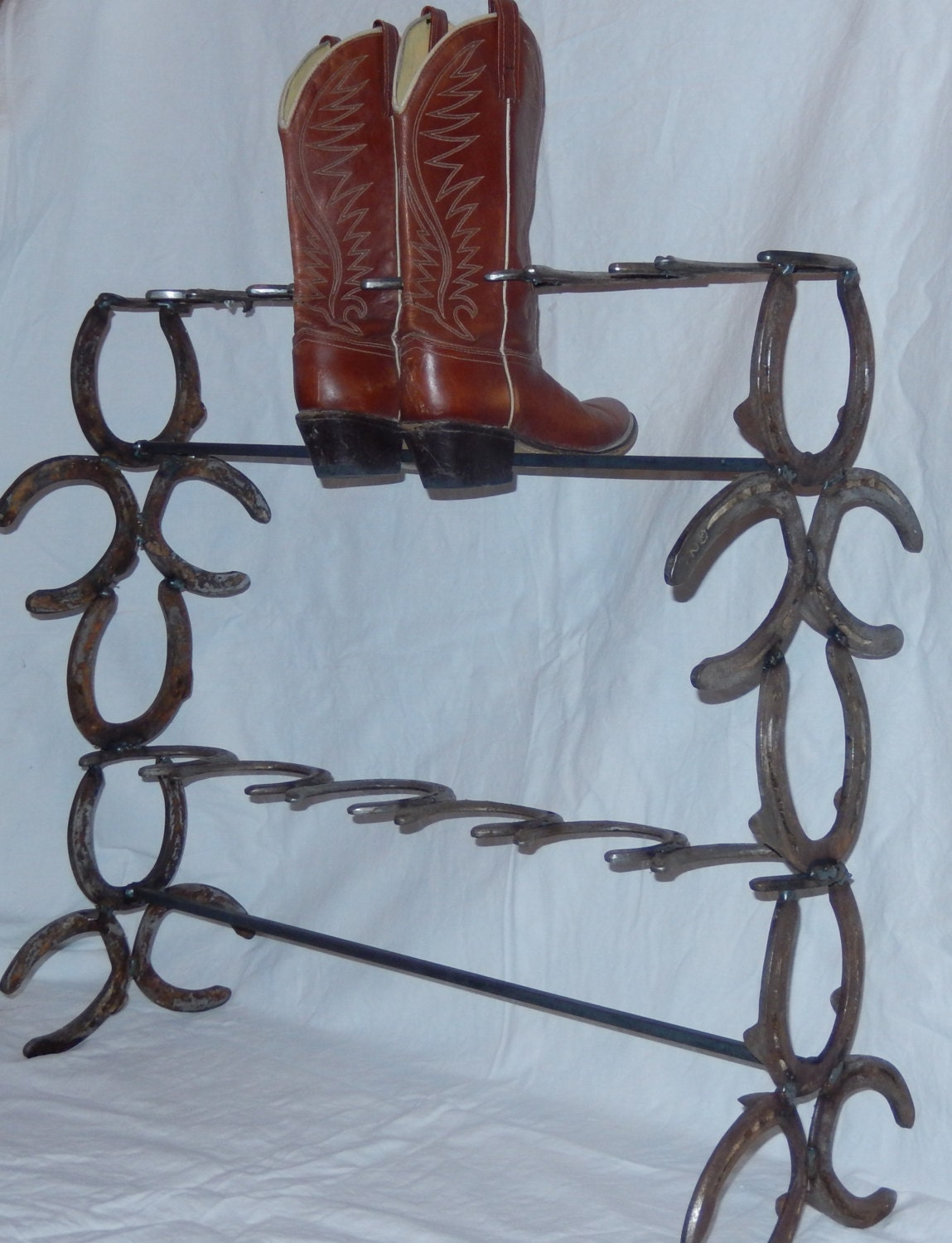 Boot Rack Made Out Of Horseshoes Lovequilts