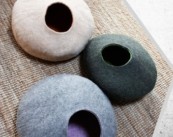"""Cat Cave Felted """"Pebble"""", 100 % Wool Tyrolean, hand-made with Bio Olive Oil Soap, machine washable, MADE IN ITALY"""