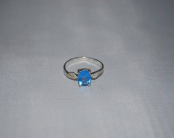 Sterling silver topaz ring size 6.25