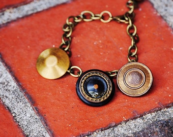 Cute as a Button! Vintage Buttons Bracelet