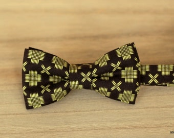 Bow 41. Geometría I/ Geometry I/ Géométrie I. Handmade bowtie made with high quality printed fabric.