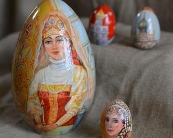 "Easter beauties / egg ""Les Belles of Easter"""