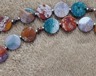 72-77-24. Multicolor beaded necklace.