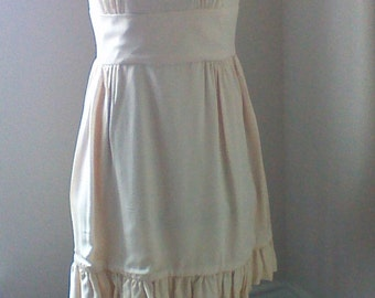 Vintage Sleeveless Dress in a Soft Creamy Fabric