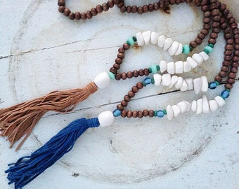 Marakesh- Resin & wood tassel necklace