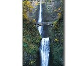 Oregon Multnomah Falls in Autumn
