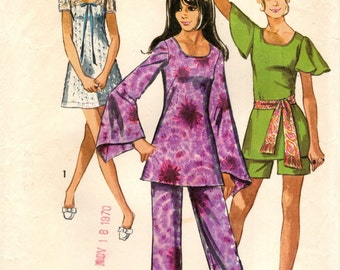 Simplicity 8783 Mini Dress, Tunic Tops, Shorts, Pants  ©1970 BELL ANGEL or PUFF Sleeves
