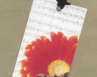 Giant Red Flower with an Insect Six Gift Tags, Hang Tags, Bookmarks PSS 0741