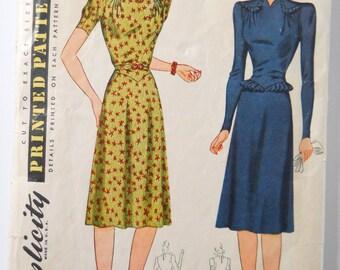 Vintage Sewing Pattern • 1941 Simplicity Ladies Dress