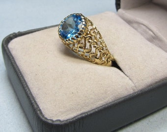Blue Yonder Retro Openwork Yellow Gold and Blue Topaz Ring