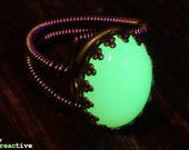 Steampunk Jewelry - Ring -   Yellow-Green Glass Opal Oval 18x13mm - UV reactive