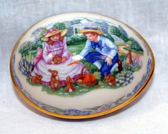 Lenox Sharing Easter Gifts Easter Egg dated 1991 limited edition