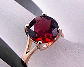 AAAA 10mm Round 3.39 carat Red Almandine Garnet set in 14K Yellow gold ring m