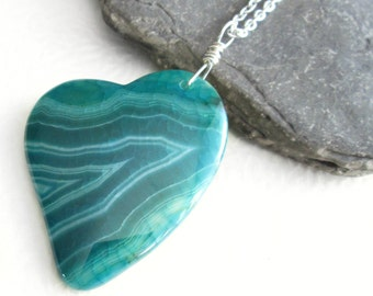 Green Agate Heart Necklace, Crackle Stone Pendant, Romantic Gift for Her