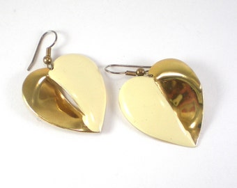 Leaf Or Heart Gold Tone And Cream Enamel Pierced Earrings Vintage Jewelry