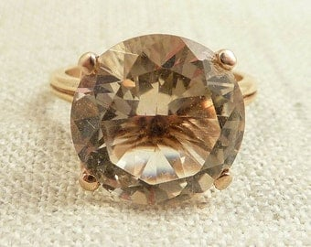 Size 6.75 Vintage 14K Gold and Raised Faceted Citrine Ring