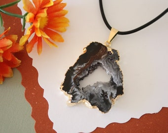 Druzy Necklace Gold, Geode Necklace, Crystal Necklace, Gold Geode Slice Druzy,GG55