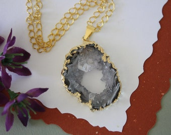Druzy Necklace Gold, Geode Necklace, Crystal Necklace, Gold Geode Slice Druzy, GG96