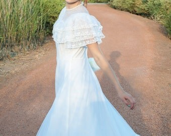 Southern Belle Tulle and Ruffles Vintage Wedding Dress - Small..Medium - Hippie, Boho, Bohemian, Rustic, Woodland