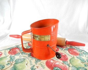 vintage flour sifter, red flour sifter, Bromwell, vintage kitchen, red kitchen, wood handle, baking