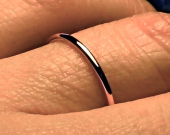 Rose Gold Wedding Band/ 1.5 mm wide/ Solid 14k rose gold/ Handmade ring/ 1.5mm ring / fully round/ plain wedding band/ Men band/ Women band