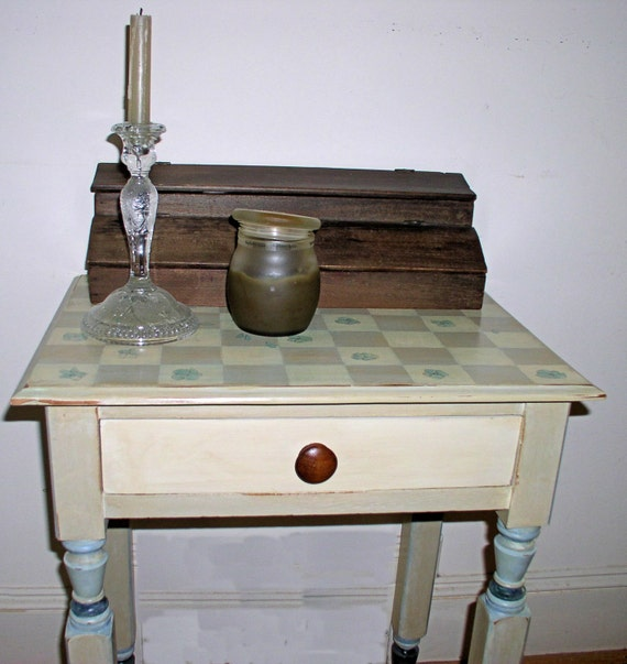 Items similar to Hand Painted Furniture Cottage Farmhouse End Table on Etsy