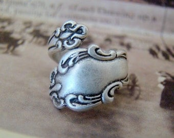 Free Gift Box! Antiqued Silver Spoon Ring, Adjustable Spoon Ring, Silver Ring, Thumb Ring, Vintage Style Spoon Ring, Style No.2