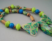 Handcrafted Necklace - Green Turquoise Pod Choker No.106