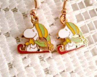 Vintage Sledding Snoopy1970s 80s earrings Winter Sledding Snoopy and Woodstock  Vintage Aviva United Features charm 18k Gold plt wires