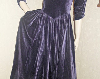 Vintage Laura Ashley Great Britain Purple Velvet Dress US 8 UK 10