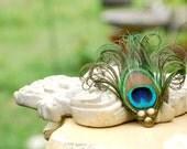 Gorgeous Eye Peacock Feather Hair Clip. Wedding Bridal Bridesmaid Bride Gift. Gold Gems Comb Barrette Pin. Sofisticata Single Plume Hairclip