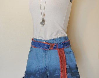 Blue Sz 10 Levi's 550 SHORTS - Ombre Dyed Denim Urban Style Denim Distressed Vintage Levi's 550 Brand Shorts -  Size 10 (30 waist)