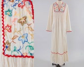 Vintage 70s cream gauze embroidered floral maxi dress / Wide sleeves / Bohemian hippie summer dress