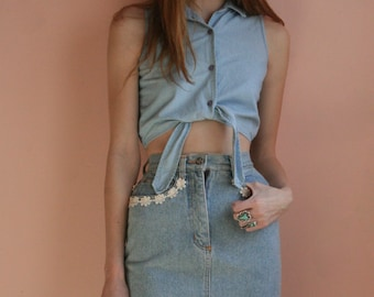 Denim Skirt / Nineties / White Lace Embroidered Skirt / Washed Out / Jean Skirt / Floral Lace / Body Con Skirt / Size Extra Small xs
