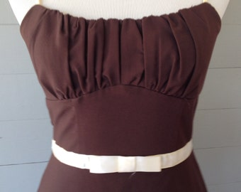 1990s Sundress / 90s Does 1950s/ Ruched Bodice Fitted Midriff / Adjustable Straps Ribbon at Waist / Crinoline Underneath