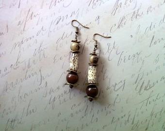 Rustic Brown Earrings (1921)