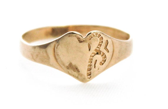 vintage 9ct yellow gold signet ring