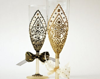 Gold Black Wedding Glasses ,Toasting Glasses, Champagne Flutes, Gatsby Style Wedding, Royal Glasses, Hand Painted set of 2