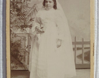 French Antique CDV Photograph -  Young Girl in Confirmation Gown (J. de Lapassal, Livron, France)