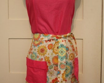 Pink and Floral Full Apron, Women's Apron, Traditional Apron, Craft Apron, Baker Apron, Kitchen Apron, Unique Christmas Gift for Her