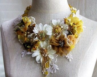 SHASTA Yellow White Daisy Textile Mixed Media Statement Bib Necklace
