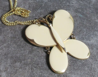 Vintage Signed ART Articulated Butterfly Pendant Necklace, Light Ivory Peach Color